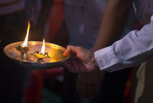 Join The Arati Prayer – You Will Experience Peace & Bliss Within
