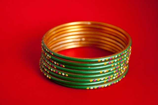 Wear Beautiful Bangles For Health And Wealth
