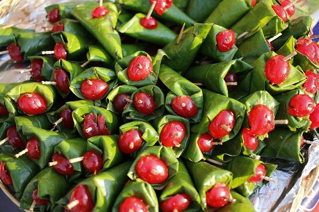 Eat Betel Leaf Like Indians & Get Cured Of Oral Cancer, Gastric Ulcers, Diabetics