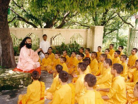 Why Do Hindus Address Their Teachers As Guru? Let's Know!