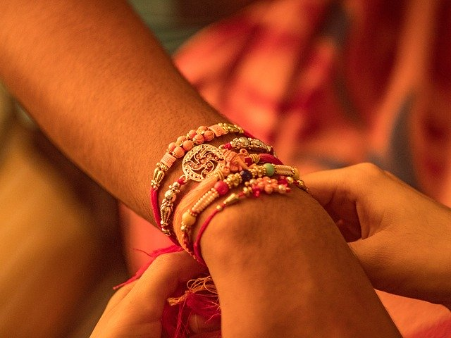 Celebrate Raksha Bandhan With Your Siblings Like Hindus For Their Prosperity, Health & Well-being