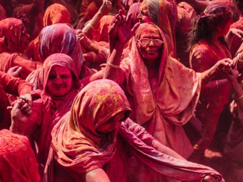Enjoy The Festival Of Color Holi & Get Fascinated By The Colors Of Joy