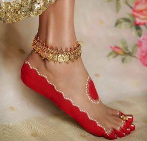 Wear Alta- The Red Liquid Dye & Get Fertility & Prosperity