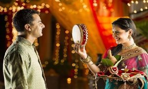 You Must Observe The Karva Chauth Fast For Your Husband's Longevity & Prosperity