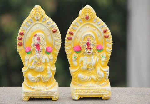 "Worship Goddess Laxmi & Lord Ganesha ""Together"" – To Gain Wealth and Fortune!"