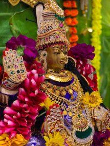 Observe Vralakshmi Vrat To Get All Your Boons Granted