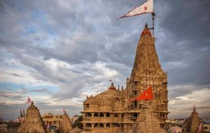 Unknown Facts Of Dwarkadhish Temple That You Should Know